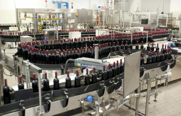 """Small positive signs: bottlings and """"bands"""" are growing in many wine territories"""
