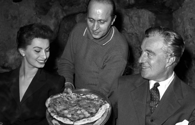 """Sophia Loren, Original Italian Food"", the chain of restaurants opened by the diva with Luciano Cimmino"