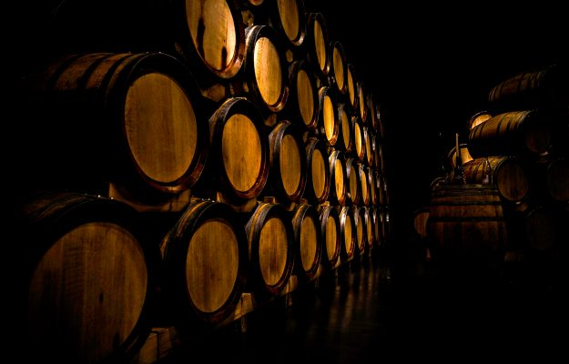 Wine, the prices of the main Dop wines of Italy hold, the prices of common wines collapse