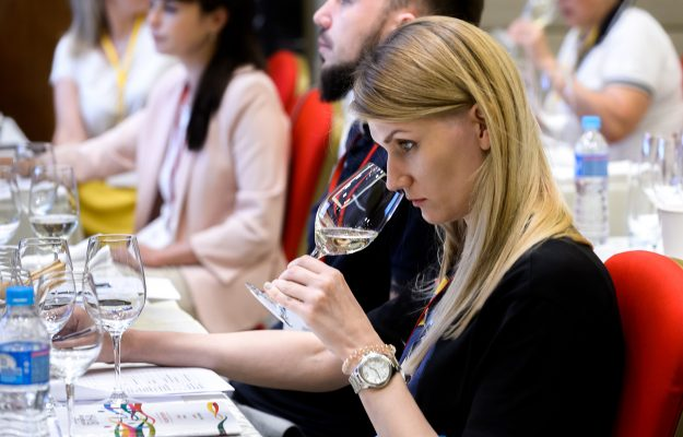 Events: from Opera Wine to the Weekend des Grands Crus in Bordeaux, to the Fivi Vignaioli Market