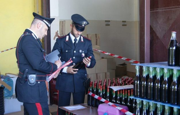 """Wine and fraud, 1 million liters of false Ipg seized in Puglia.  """"Bad Drink"""" operation in Naples"""