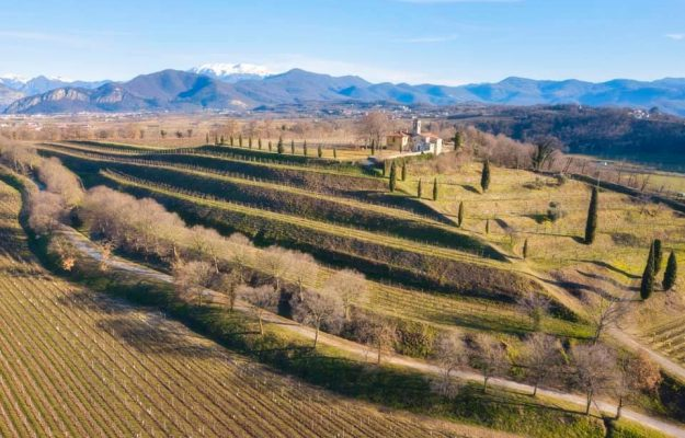 The calendar of events comes to life again, but the Franciacorta Festival still chooses digital