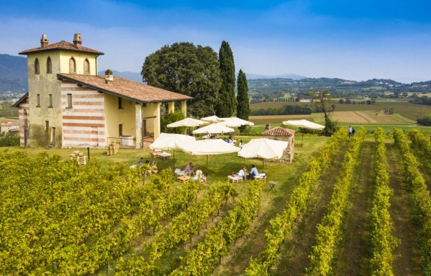 """The biggest event in the area calls wine lovers together: the """"Franciacorta Festival"""""""